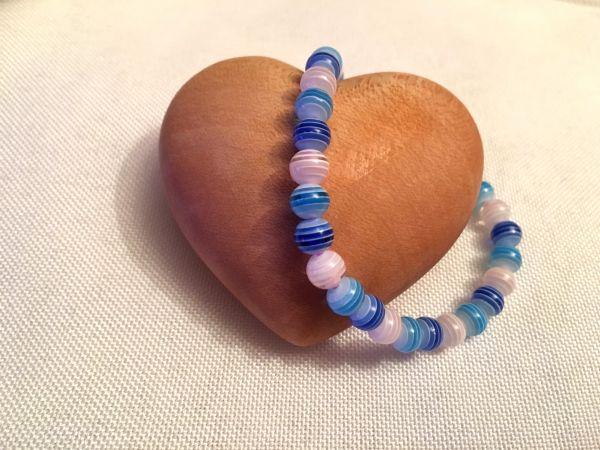 Perlen-Armband blau